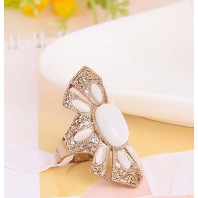 Кольцо Баронесса винтажное с опалами и кристаллами