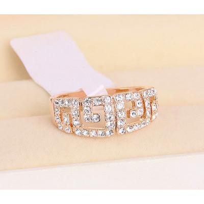 Кольцо «Греческие мотивы» с австрийскими кристаллами, покрытие - золото