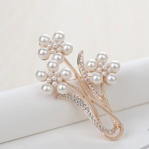 Брошь «Полевые цветы» с жемчугом и кристаллами