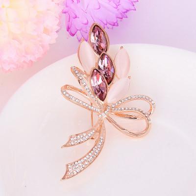 Брошь «Комплимент» с фиолетовыми кристаллами Сваровски и опалами