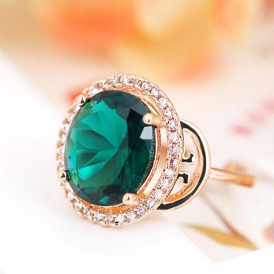 Кольцо Рим с зеленым цирконием и кристаллами