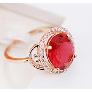 Кольцо «Рим» с красным цирконием и кристаллами