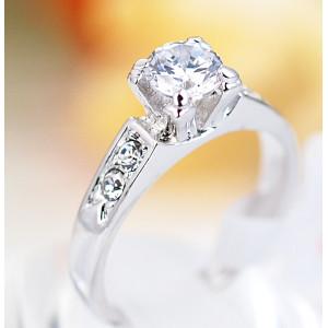 Кольцо «Предложение» с цирконием и кристаллами, покрытие - родий