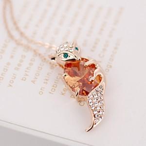 Кулон «Лиса и камень» с цирконием и кристаллами