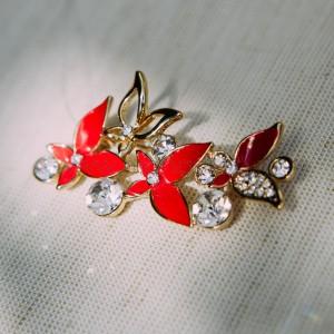 Брошь «Флора» красная с белыми кристаллами