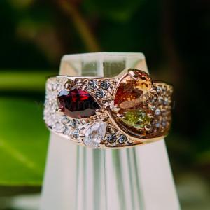 Кольцо «Лолита» с разноцветными циркониями