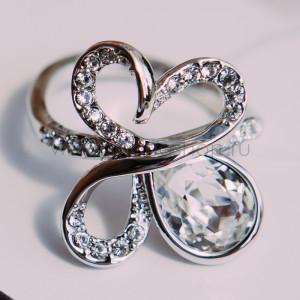 Кольцо Подснежник с белыми кристаллами Swarovski