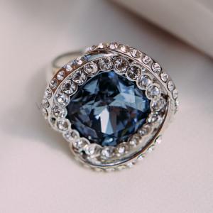 Кольцо «Роза» с голубым кристаллом Сваровски