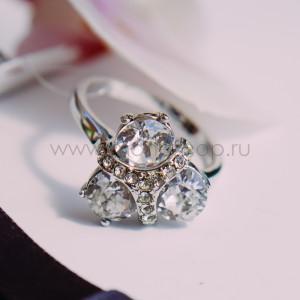 Кольцо Трио с кристаллами и хрустальной вставкой