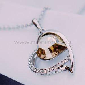 Кулон Хрустальное сердце с кристаллом Сваровски цвета шампань