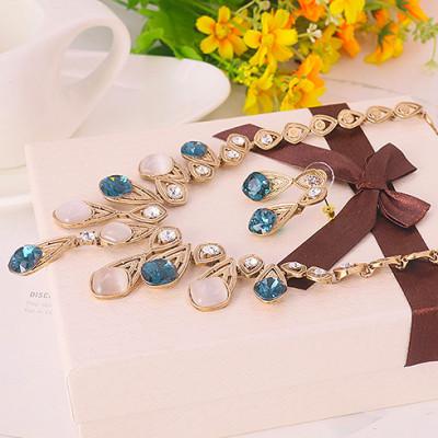 Комплект «Феерия» с синими кристаллами и опалом