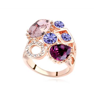 Кольцо Коктейльное с фиолетовыми камнями Swarovski