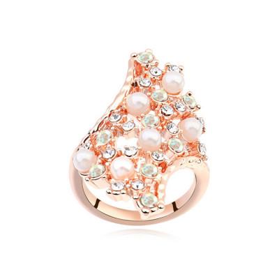 Кольцо «Нежность»  из россыпи камней