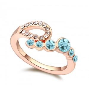 Кольцо «Романтика» с голубыми кристаллами