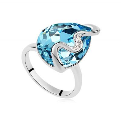Кольцо «Волна» с голубым кристаллом Swarovski