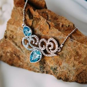 Колье «Зимние узоры» с голубыми кристаллами Сваровски