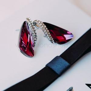 Серьги «Кристаллы» цвета бордо с инкрустированной вставкой
