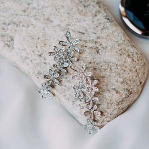 Серьги «Летнее настроение» в виде цветов с белыми кристаллами