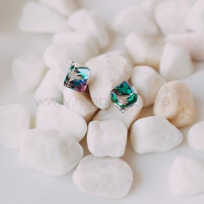 Серьги Миражи с зелеными кристаллами-хамелеонами Сваровски