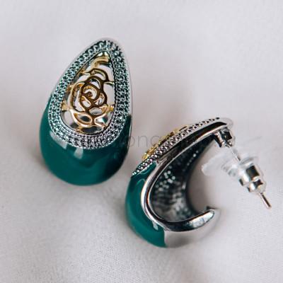 Серьги-капли Завитки с зеленой эмалью и позолотой