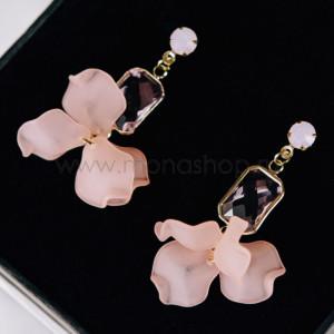 Серьги «Фламинго» с розовыми кристаллами и лепестками
