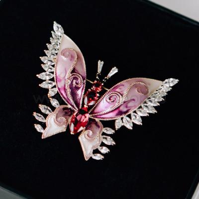 Брошь «Розовая бабочка» с эмалью и фианитами