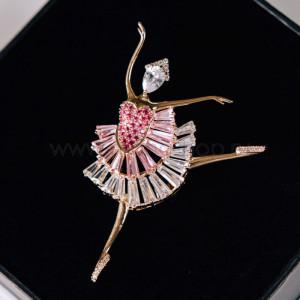 Брошь Балерина с розовыми фианитами и кристаллами