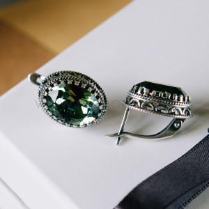 Серьги «Винтаж» с зелеными кристаллами Swarovski