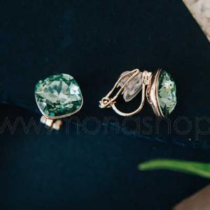 Клипсы «Чаровница» с зелеными кристаллами Сваровски