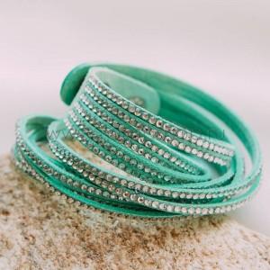 Браслет замшевый зеленый с белыми кристаллами