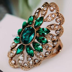 Кольцо «Изумрудный цветок» с австрийскими кристаллами