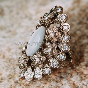 Кольцо «Пион» винтажное с опалом и кристаллами