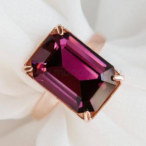 Кольцо «Аметистовый цвет» с прямоугольным камнем Swarovski