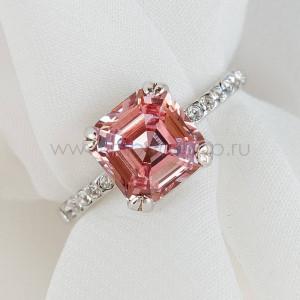 Кольцо Принцесса с розовым кристаллом Swarovski