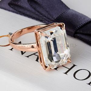 Кольцо Бриллиантовый цвет с прямоугольным камнем Swarovski