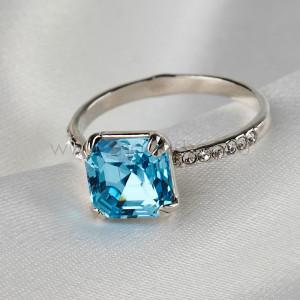 Кольцо Принцесса с голубым кристаллом Swarovski