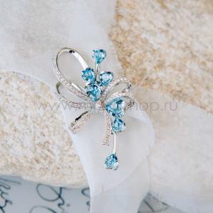 Брошь «Букет любви» из голубых камней-сердец Сваровски