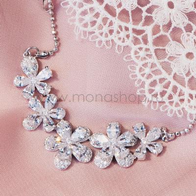 Колье Хрустальные цветы с белым цирконием, покрытие-белое золото
