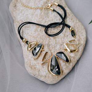 Колье на шнурке «Элегант» с серыми кристаллами Сваровски