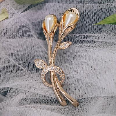 Брошь «Белые лилии» с жемчугом и кристаллами Сваровски