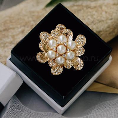Брошь «Жемчужный цветок» с белыми кристаллами Сваровски