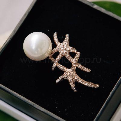 Брошь Морские звездочки с белым жемчугом и кристаллами Сваровски