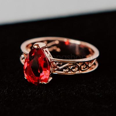 Кольцо Рубиновые капли с кристаллами Swarovski