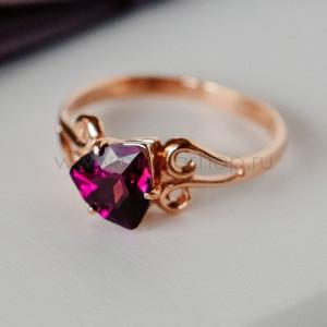 Кольцо «Райские сады» с фиолетовым камнем-треугольником Swarovski