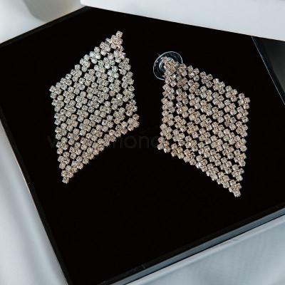 Серьги-ромбы Млечный путь с белыми кристаллами Swarovski