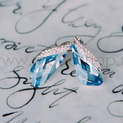 Серьги «Кристаллы» голубого цвета с инкрустированной вставкой
