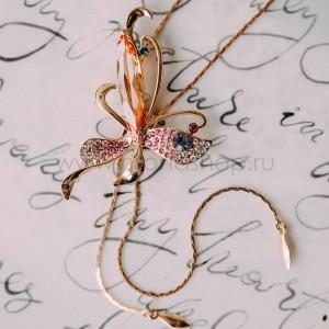 Кулон-галстук «Бабочка» с разноцветными кристаллами и подвесками