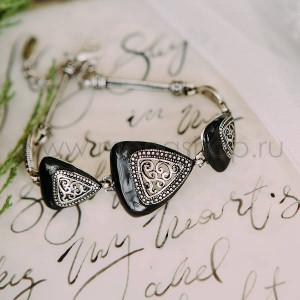 Браслет из треугольников Завитки с черной эмалью и патиной