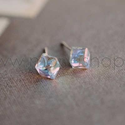 Серьги-кубики «Миражи» с кристаллами-хамелеонами Сваровски