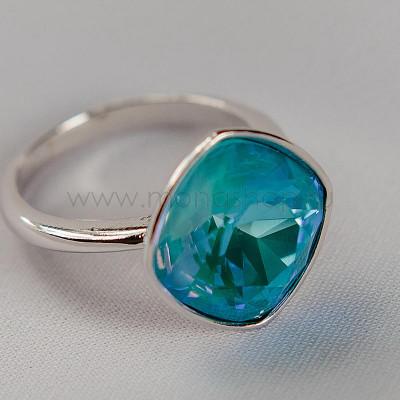 Кольцо Чаровница с голубым кристаллом Swarovski